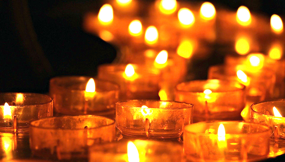 kaarsen-gebed-pancratius-kerk-bid-corona